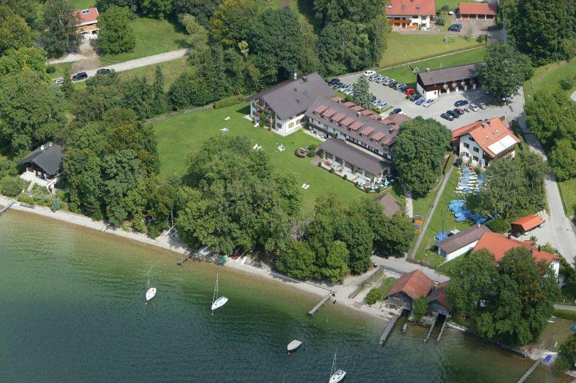 Landhotel Huber am See in Ambach