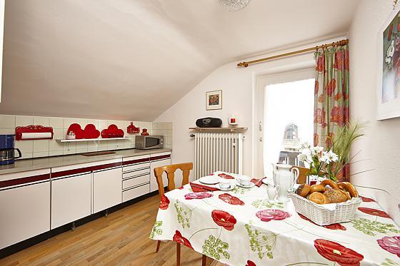 Wohnzimmer - Blick zum Alkoven