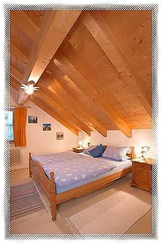 Offener Wohnraum mit 2 Balkonen