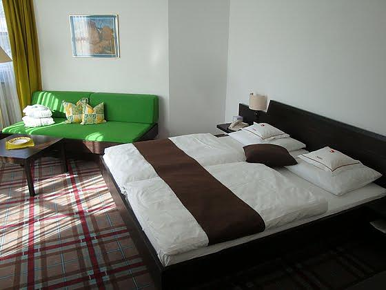 Doppelzimmer mit Balkon Euro 109,-